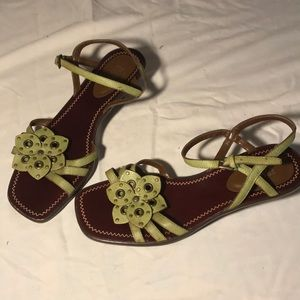 Franco Sarto kitten heel flower sandals- EUC